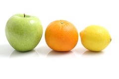 white för citron för äpple backgro isolerad orange Royaltyfria Foton