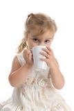 white för flicka för kopp dricka nätt little Arkivbilder
