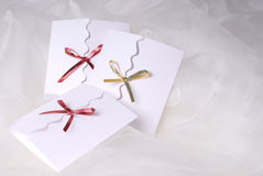 white för handgjord inbjudan för bakgrund silk Royaltyfria Bilder