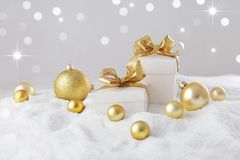 white för julgåvaisolering royaltyfri foto