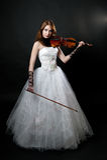 white för klänningflickafiol Arkivfoton
