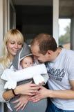 white för moder för bakgrundsdotter fader isolerad liten Royaltyfri Fotografi