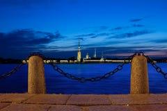 white för nattpetersburg st Royaltyfri Fotografi