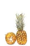 white för nya ananas för bakgrund mogen Arkivbild