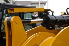 white för objekt för maskineri för bakgrundskonstruktion grävskopa isolerad Royaltyfria Bilder