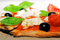 white för pizza för stycke för bakgrundsmat sund italiensk Royaltyfri Fotografi