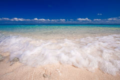 white för sand för strandöparadis Royaltyfri Bild