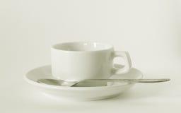 white för saucer för kaffekopp Arkivfoto