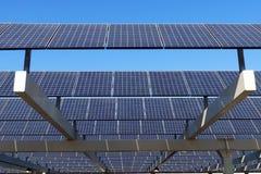 white för sun för panel för energi hand isolerad sol- Royaltyfria Foton