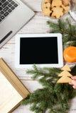 white för tablet för illustration för bakgrundsdatordesign anteckningsbok Pappers- etikett på band ljusa mandarins Royaltyfri Foto