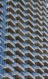 white för torn för blå condo för balkonger glass stigande Royaltyfria Foton