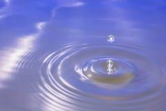 white för vatten för illustration för bakgrundsdroppe fallande Arkivbild