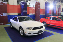 White ford mustang  convertible Royalty Free Stock Photography