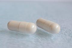 white för pills två Royaltyfria Foton