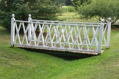 White garden footbridge  Royalty Free Stock Photos