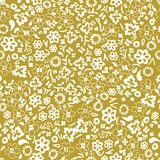 White on gold hand drawn random flower and leaf seamless repeat pattern background. Two colour hand drawn random flower and leaf seamless repeat pattern Stock Photo