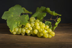 White grape. On old wood Royalty Free Stock Photos