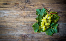 White grapes on wooden table Stock Photography