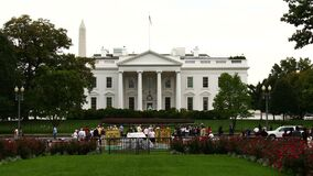Free White House Time-Lapse Zoom In Royalty Free Stock Image - 185168586
