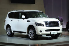 White Infiniti  qx56 suv Stock Photos