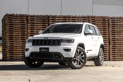 White Jeep Grand Cherokee  Stock Photography