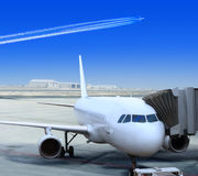 White Liner At The Airport Royalty Free Stock Image