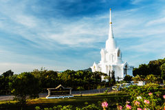 The White pagoda with blue sky background at khao-kho mountain Stock Photography