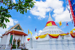 White pagoda and temple. Pagoda  at Wat Paramaiyikawat in Koh Kred ,Nonthaburi Thailand Royalty Free Stock Photos
