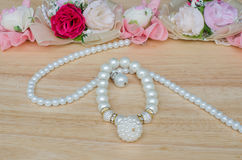 White pearl necklace Royalty Free Stock Images