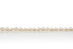 White pearls with reflection Royalty Free Stock Photography