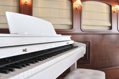 White Piano Royalty Free Stock Photos