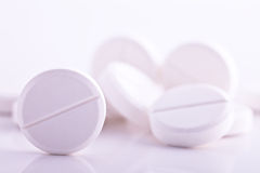White pills medicine headache aspirin paracetamol Royalty Free Stock Photography