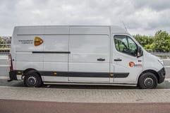 White Postnl Van At Diemen οι Κάτω Χώρες στοκ φωτογραφία με δικαίωμα ελεύθερης χρήσης
