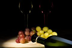 Grapes on the wooden desk royalty free stock image
