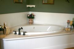 White Retro Bathtub Royalty Free Stock Photos