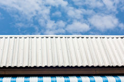 The white roof with blue sky Royalty Free Stock Photography