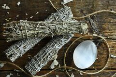 Free White Sage Smudge Bundles And Selenite Royalty Free Stock Photography - 214790707
