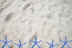 White sand subtle. Grain smooth with starfish Royalty Free Stock Photography