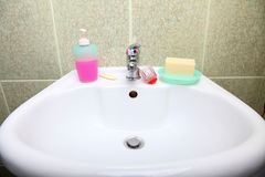 White sink in the bathroom Royalty Free Stock Images