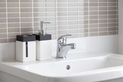 White sink in bathroom Royalty Free Stock Photos