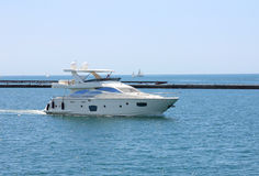 White speeding motor yacht Royalty Free Stock Photo