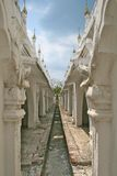 White stupas in Kuthodaw temple in Mandalay Royalty Free Stock Photos