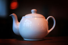 White tea kettle in the cafe Royalty Free Stock Photography