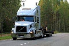White Volvo VNL 64T Semi Trailer on Highway Royalty Free Stock Photos