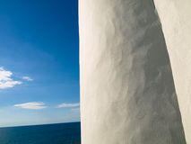 White wall by the sea Royalty Free Stock Photos