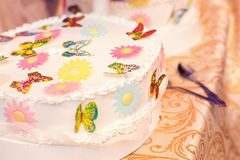 White wedding cake with butterflies Stock Images
