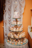 White wedding cake with flowers Stock Photography