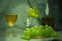White wine composition with grapes Royalty Free Stock Images