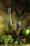 White wine and fruits Royalty Free Stock Photography