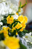 White and yellow flowers in the wedding floral decorations. Royalty Free Stock Photos